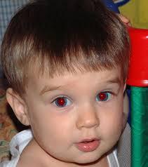 Примеры неудачных фото на РВП: эффект красных глаз